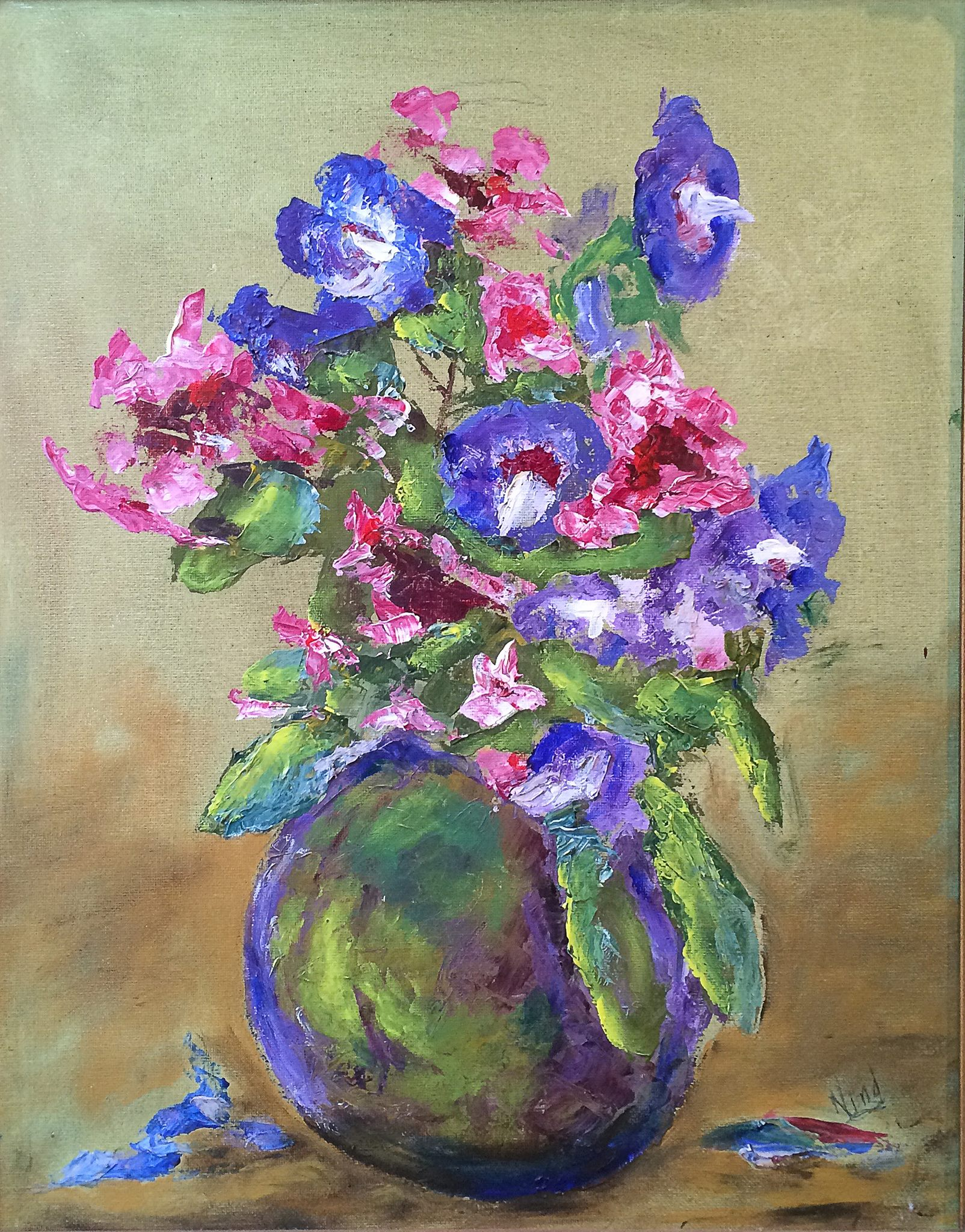 Pot of flowers by Leslie Nind.